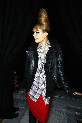 Jeremy Scott Fall 2007 Ready&#45&#x3B;to&#45&#x3B;wear Backstage &#45&#x3B; 001