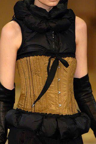 Sleeve, Shoulder, Textile, Joint, Denim, Fashion, Black, Waist, Costume, Trunk,