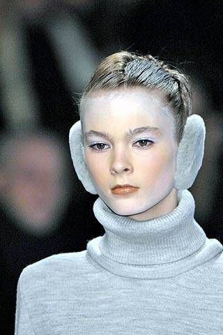 Undercover Fall 2007 Ready-to-wear Detail - 001