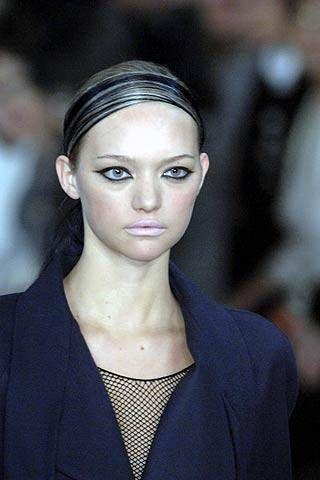 Karl Lagerfeld Fall 2007 Ready&#45&#x3B;to&#45&#x3B;wear Detail &#45&#x3B; 001