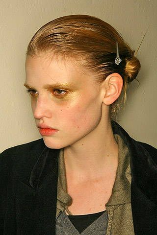 Loewe Fall 2007 Ready&#45&#x3B;to&#45&#x3B;wear Backstage &#45&#x3B; 001
