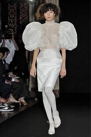Anne Valerie Hash Fall 2007 Haute Couture Collections - 001