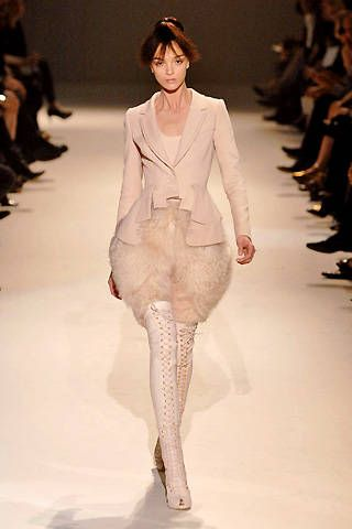 Givenchy Fall 2007 Haute Couture Collections &#45&#x3B; 001