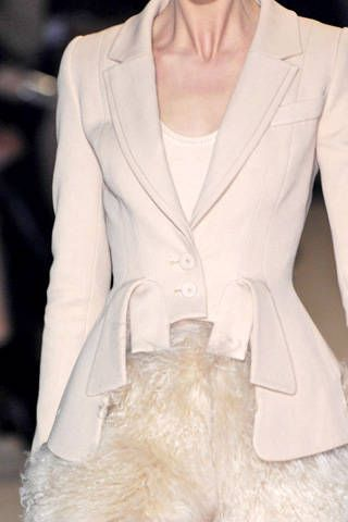 Givenchy Fall 2007 Haute Couture Detail - 002