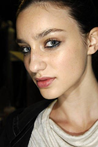 Amanda Wakeley Spring 2008 Ready-to-wear Backstage - 001