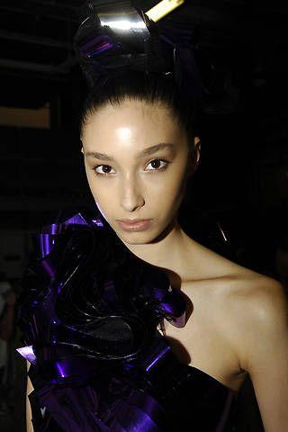 Ashley Isham Spring 2008 Ready-to-wear Backstage - 001