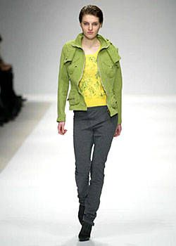 Burberry Prorsum Fall 2003 Ready-to-Wear Collections 0001