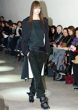 Capucci Fall 2003 Ready-to-Wear Collections 0001