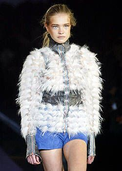 Fendi Fall 2003 Ready&#45&#x3B;to&#45&#x3B;Wear Detail 0001