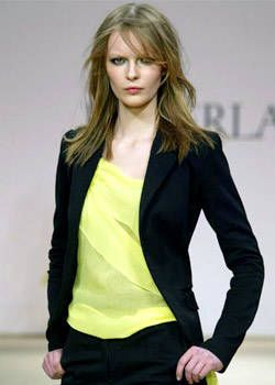 La Perla Fall 2003 Ready-to-Wear Detail 0001