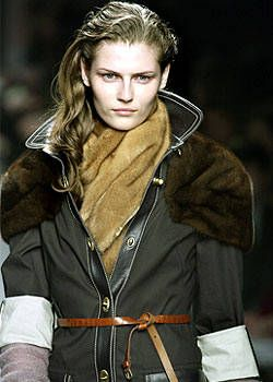 Miu Miu Fall 2003 Ready-to-Wear Detail 0001