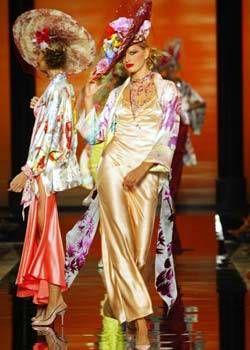 Emanuel Ungaro Spring 2003 Haute Couture Collections 0001