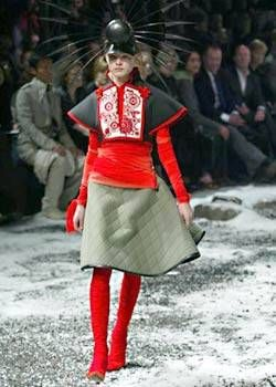 Alexander McQueen Fall 2003 Ready-to-Wear Collections 0001
