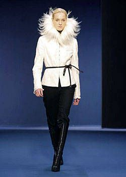 Andrew GN Fall 2003 Ready-to-Wear Collections 0001