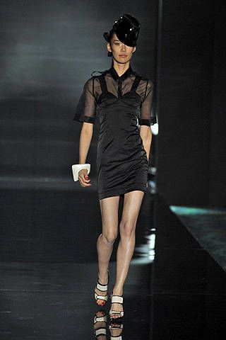 Julien Macdonald Spring 2008 Ready-to-wear Collections - 001
