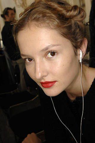 Nicole Farhi Spring 2008 Ready-to-wear Backstage - 001