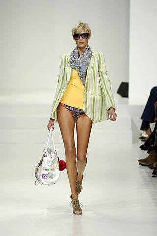 Matthew Williamson Spring 2008 Ready-to-wear Collections - 001