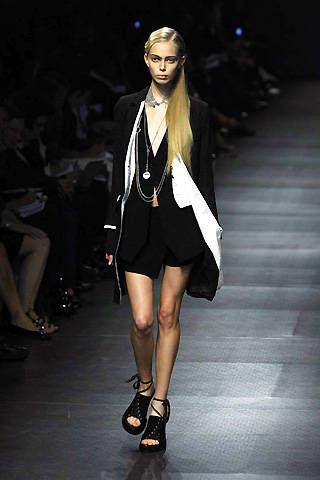Ann Demeulemeester Spring 2008 Ready&#45&#x3B;to&#45&#x3B;wear Collections &#45&#x3B; 001