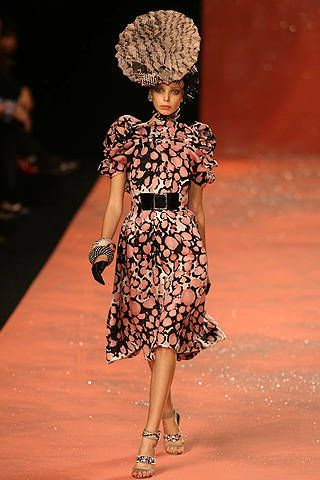 Christian Lacroix Spring 2008 Ready&#45&#x3B;to&#45&#x3B;wear Collections &#45&#x3B; 001