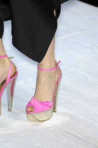 Giambattista Valli Spring 2008 Ready&#45&#x3B;to&#45&#x3B;wear Detail &#45&#x3B; 001