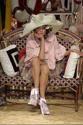 John Galliano Spring 2008 Ready-to-wear Collections - 001