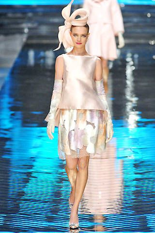 Valentino Spring 2008 Haute Couture Collections - 001