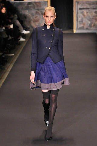 Leg, Sleeve, Shoulder, Collar, Joint, Style, Fashion show, Fashion model, Knee, Fashion,