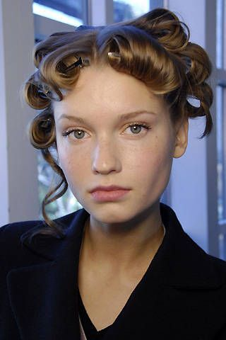 DKNY Fall 2008 Ready-to-wear Backstage - 001
