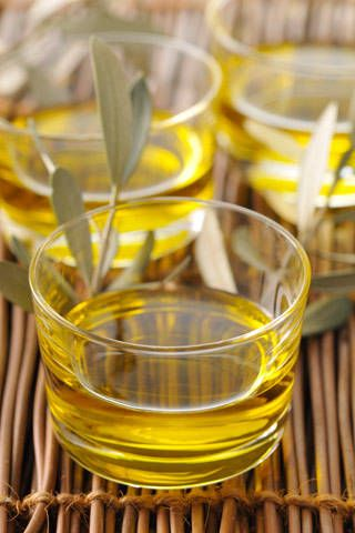 Out of the Frying Pan: Caring for Hair With Olive Oil