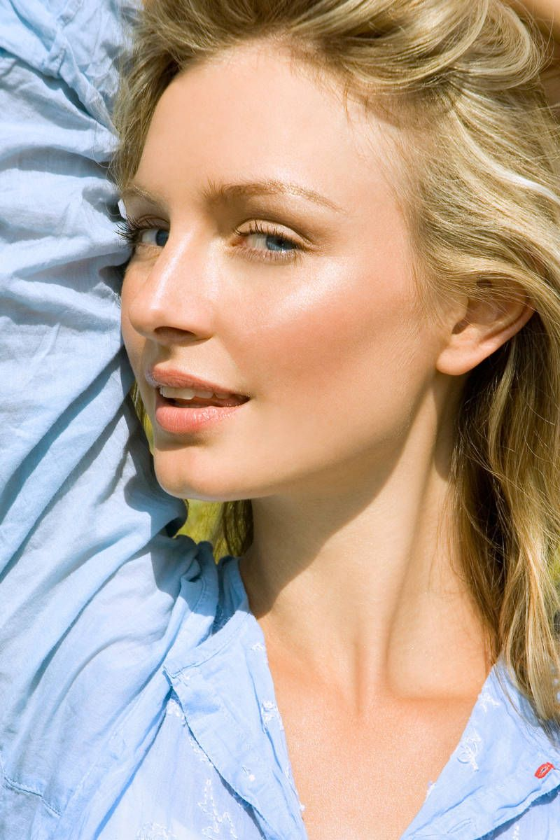 10 Raw Foods That Are Good for Your Skin