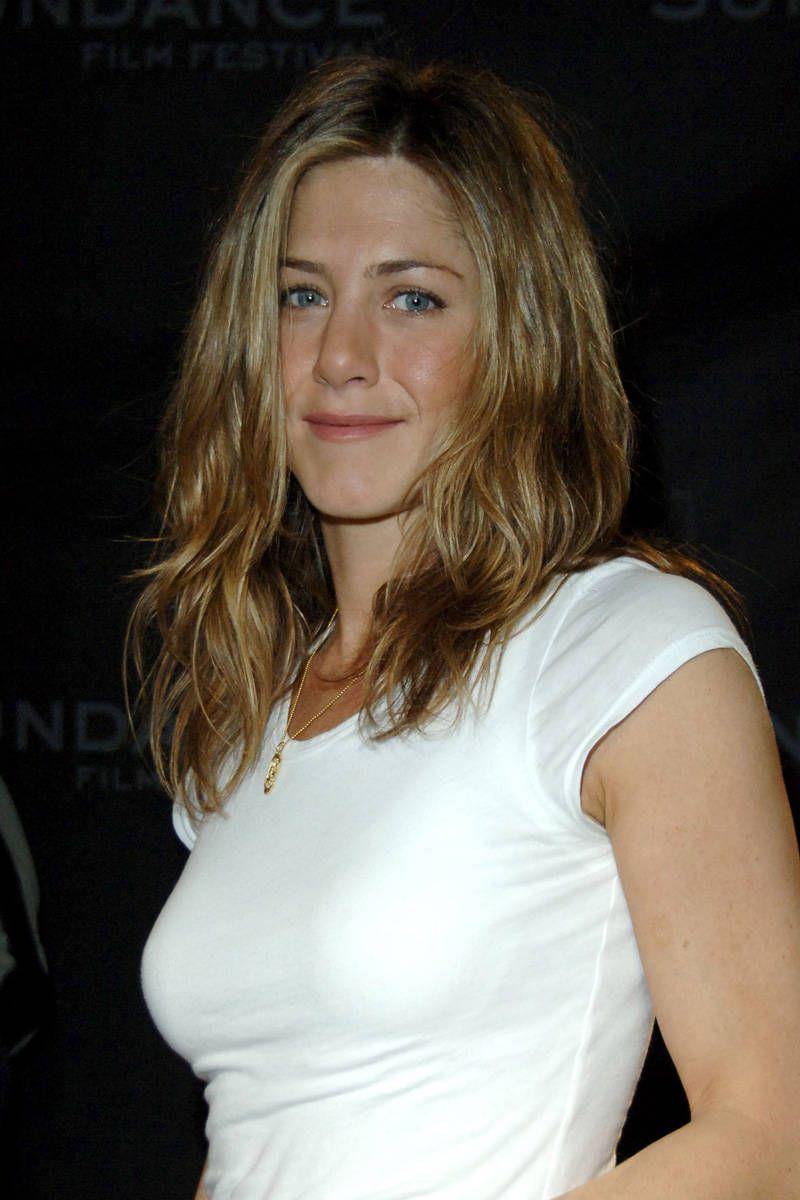 I Tailored My T-Shirts Like Jennifer Aniston