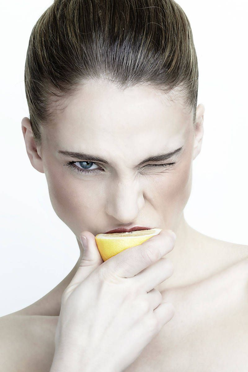 6 Who-Knew Beauty Uses for Lemons