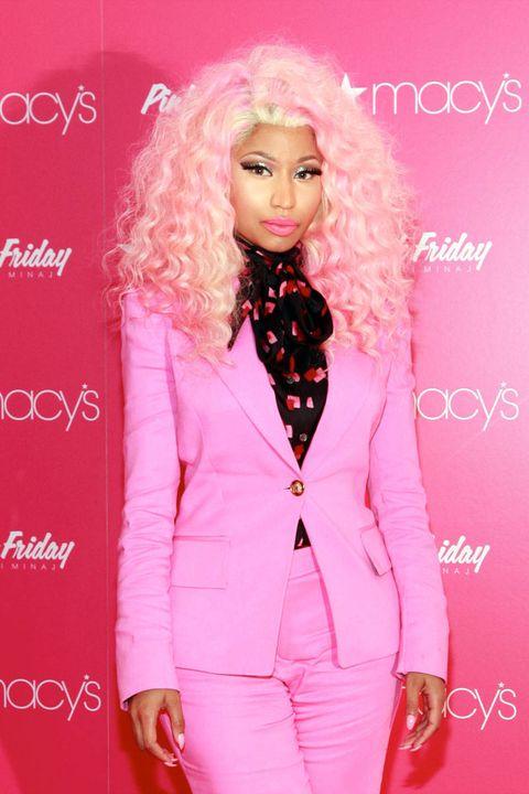 nicki minaj pink friday perfume macys 2012