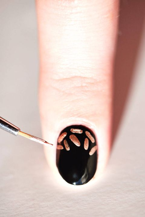 Your New Year's Eve Nail Art Look in 6 Easy Steps