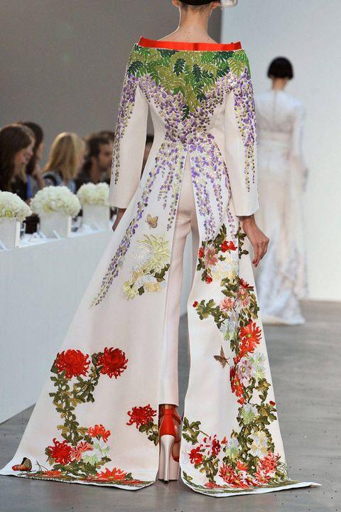 Clothing, Shoulder, Textile, Dress, Fashion show, Style, Formal wear, Fashion model, Fashion, Runway,