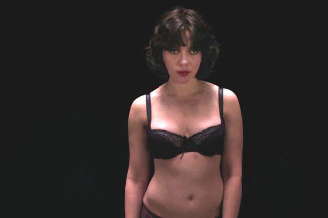 Scarlett johansson naked in under the skin