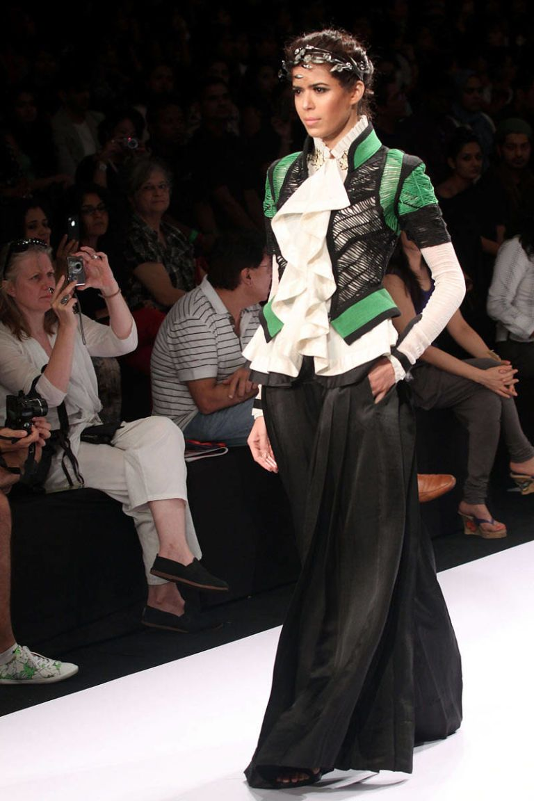 lakme fashion week nupur kanoi