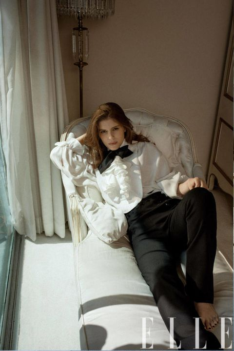 Comfort, Textile, Interior design, Sitting, Ladder, Beauty, Interior design, Knee, Bridal clothing, Bride,