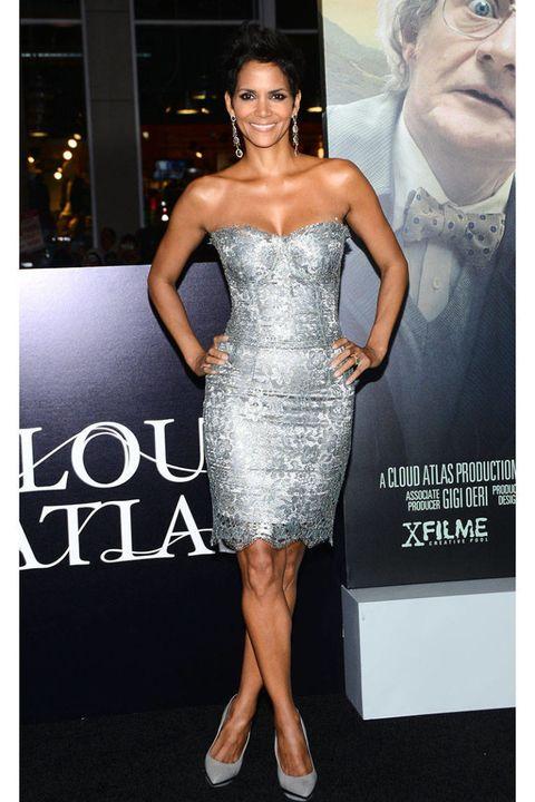 Clothing, Dress, Shoulder, Joint, Style, Waist, Strapless dress, One-piece garment, Formal wear, Cocktail dress,