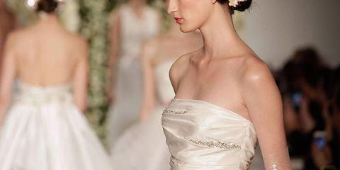 Clothing, Hairstyle, Bridal clothing, Shoulder, Textile, Hair accessory, Wedding dress, Headpiece, Bridal accessory, Bride,