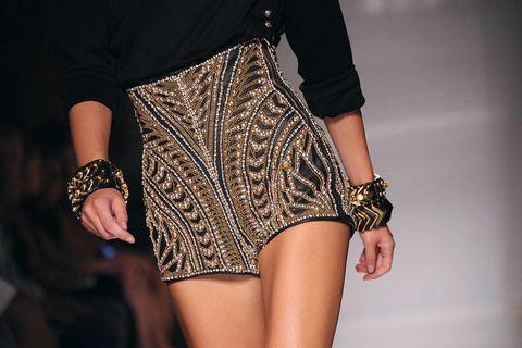 Sleeve, Hand, Joint, Wrist, Style, Pattern, Fashion, Nail, Waist, Fashion design,