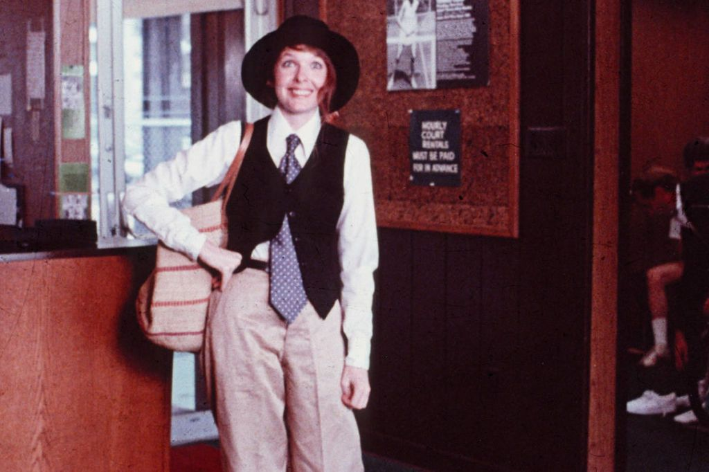 annie hall  sc 1 st  Elle & 15 Iconic Halloween Costumes - Best Halloween Costumes Inspired by ...