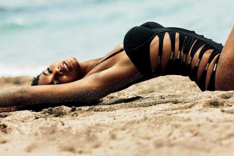 Human leg, Sand, Summer, People in nature, Tan, Sun tanning, Beauty, Sunlight, Knee, Undergarment,