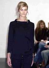 Katayone Adeli Fall 2003 Ready-to-Wear Detail 0002