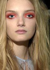 Elspeth Gibson Spring 2004 Ready-to-Wear Backstage 0002