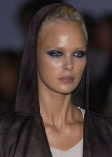 Cerruti Spring 2004 Ready-to-Wear Detail 0003