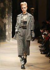 Yohji Yamamoto Fall 2003 Ready&#45&#x3B;to&#45&#x3B;Wear Collections 0003