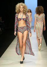 Missoni Spring 2004 Ready-to-Wear Collections 0002