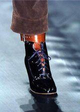 Vivienne Westwood Fall 2004 Ready-to-Wear Detail 0002