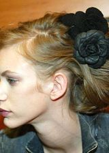 Chanel Fall 2003 Ready-to-Wear Backstage 0003